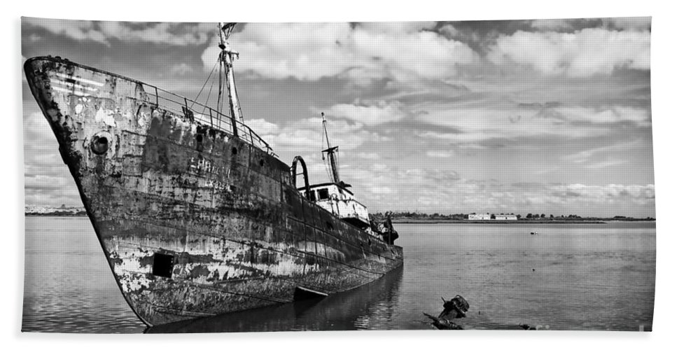 Ship Bath Sheet featuring the photograph Old Fishing Ship Wreck by Jose Elias - Sofia Pereira