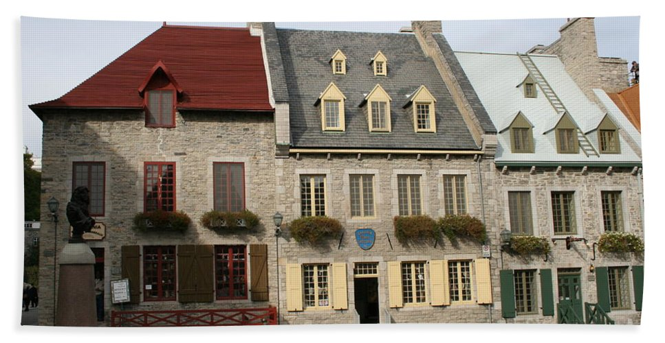 Old Town Bath Sheet featuring the photograph Place Royale - Old Town Quebec - Canada by Christiane Schulze Art And Photography