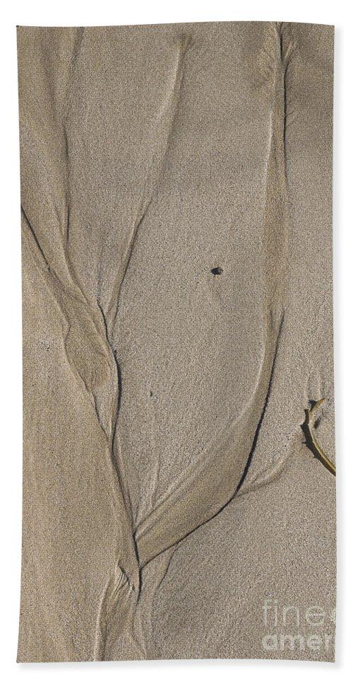 Australia Bath Sheet featuring the photograph On The Beach by Steven Ralser