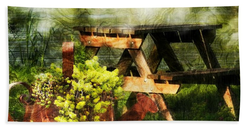 Summer Hand Towel featuring the photograph Picnic Daydream by Ellen Cannon