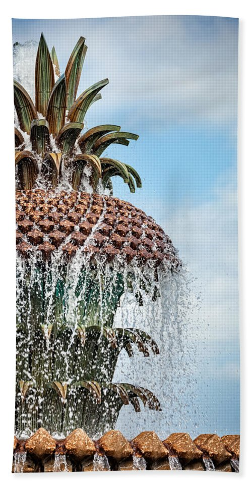 Architectural Detail Hand Towel featuring the photograph Pineapple Fountain by Leslie Banks