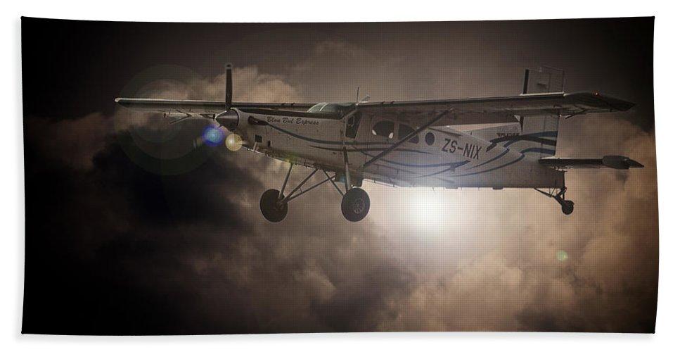 Pilatus Pc6 Porter Bath Sheet featuring the photograph Porter Light by Paul Job