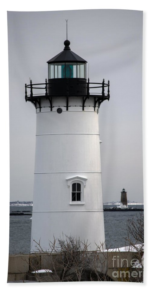 Portsmouth Hand Towel featuring the photograph Portsmouth Harbor Light by Kevin Fortier