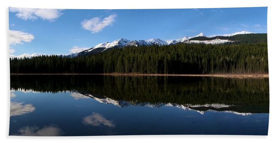 Landscape Hand Towel featuring the photograph Reflection Bay - Jasper, Alberta - Panorama by Ian Mcadie