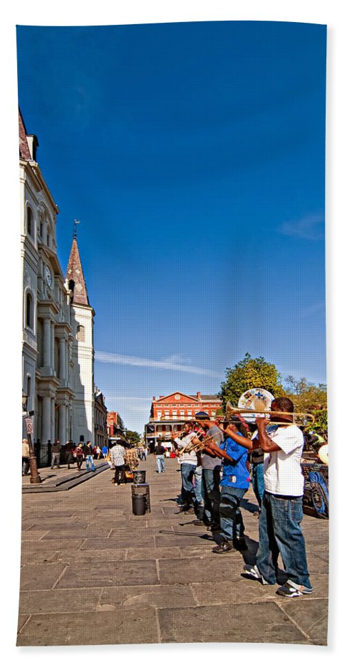 French Quarter Bath Sheet featuring the photograph Rockin' The Square by Steve Harrington