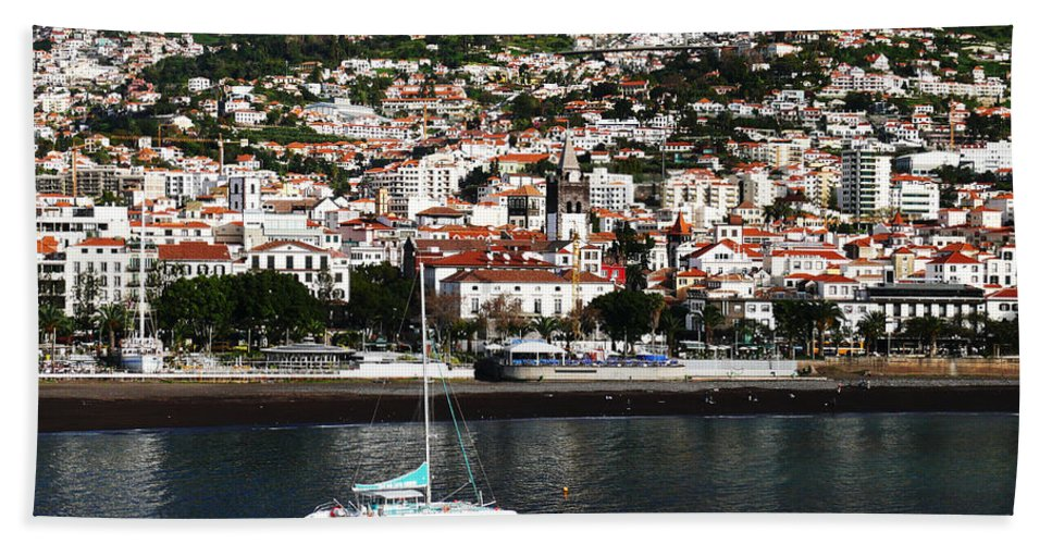 Funchal Hand Towel featuring the photograph Sailing by Tracy Winter