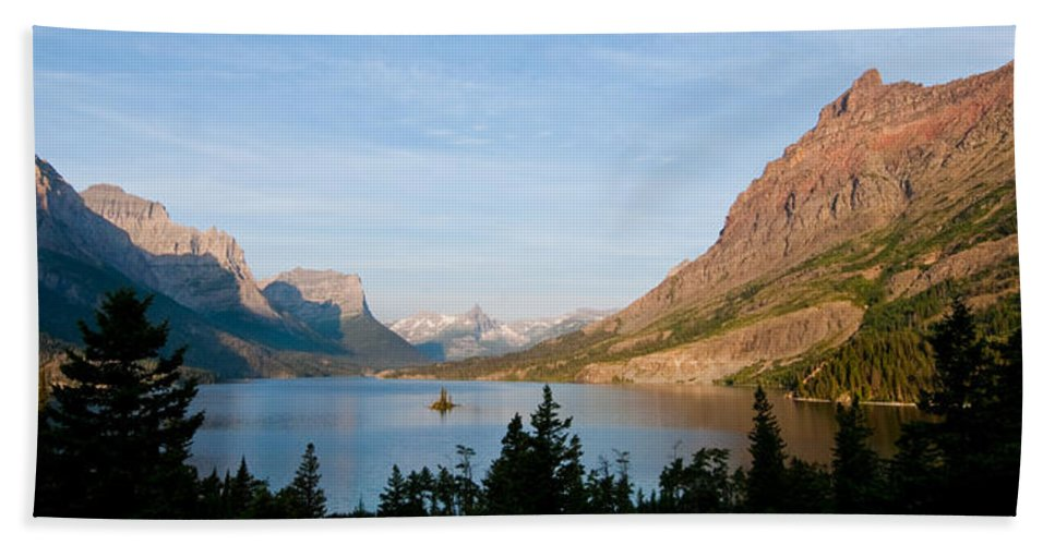 Beauty In Nature Bath Sheet featuring the photograph Saint Mary Lake And Wild Goose Island by Jeff Goulden
