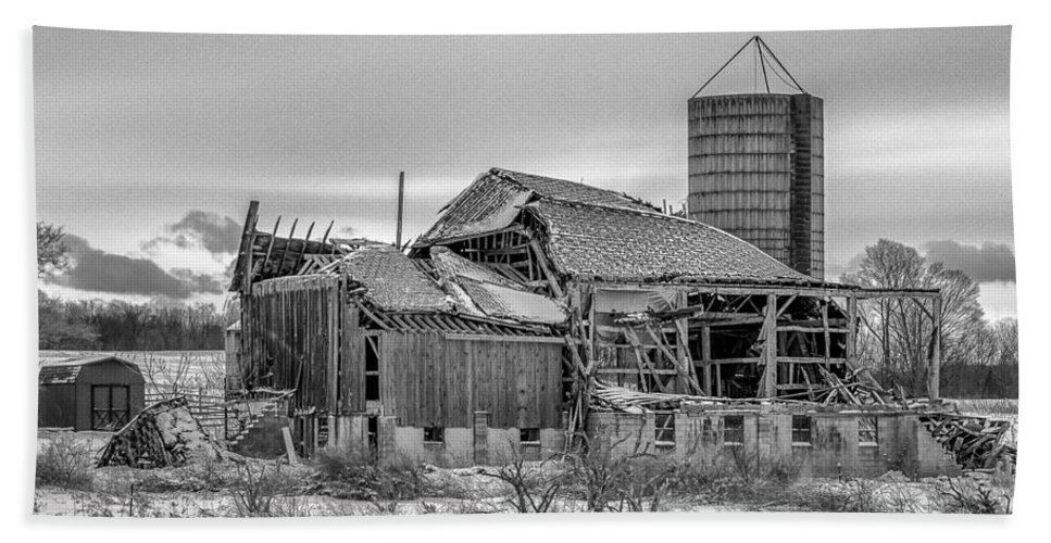 Barn Hand Towel featuring the photograph Seen Its Better Days by Guy Whiteley