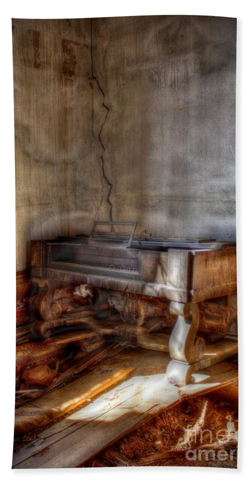 House Hand Towel featuring the digital art Silenced Song by Dan Stone