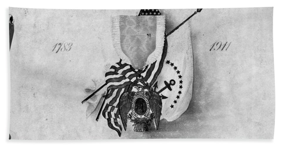 1911 Hand Towel featuring the photograph Society Of The Cincinnati by Granger