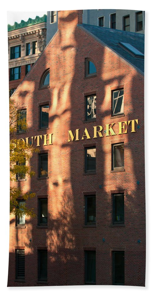 boston Hand Towel featuring the photograph South Market by Paul Mangold