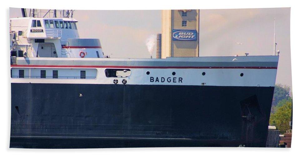 Badger Bath Sheet featuring the photograph Ss Badger by Bill Richards