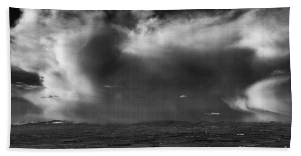 Thunderstorms Hand Towel featuring the photograph Storm Over The Kittitas Valley by Mike Dawson
