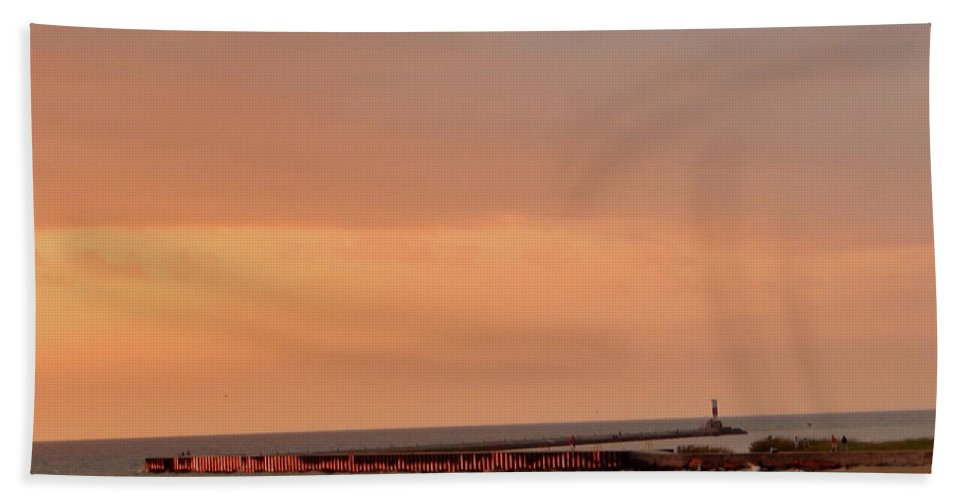 Low Bath Sheet featuring the photograph Sunset On The Breakwater by Susan Wyman