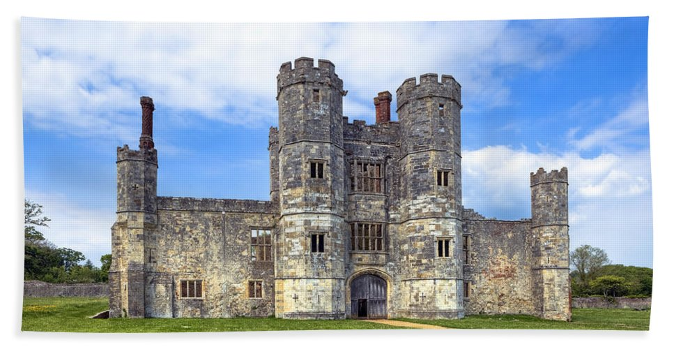 Titchfield Abbey Bath Sheet featuring the photograph Titchfield Abbey by Joana Kruse