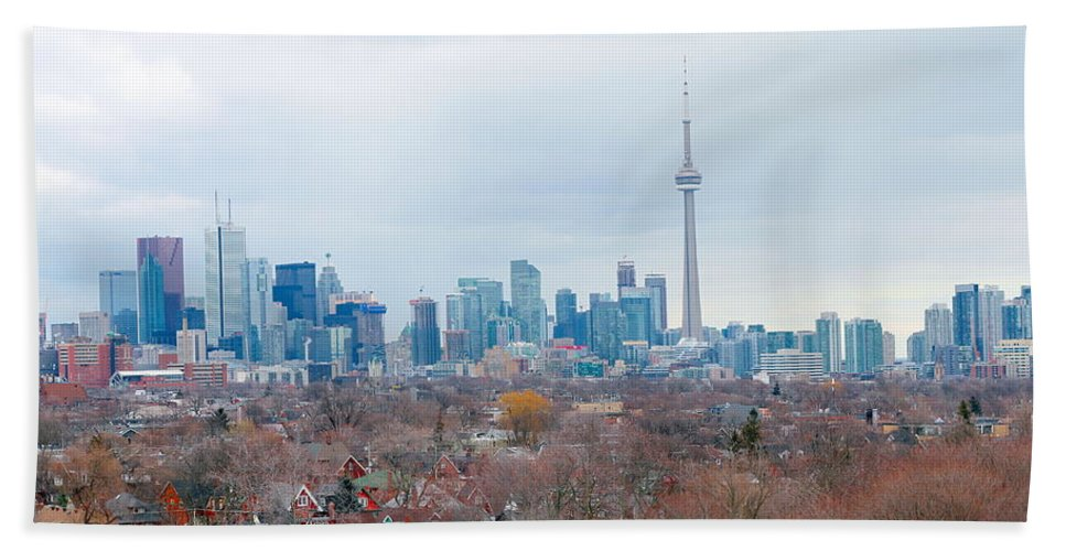 Apartment Hand Towel featuring the photograph Toronto View by Valentino Visentini