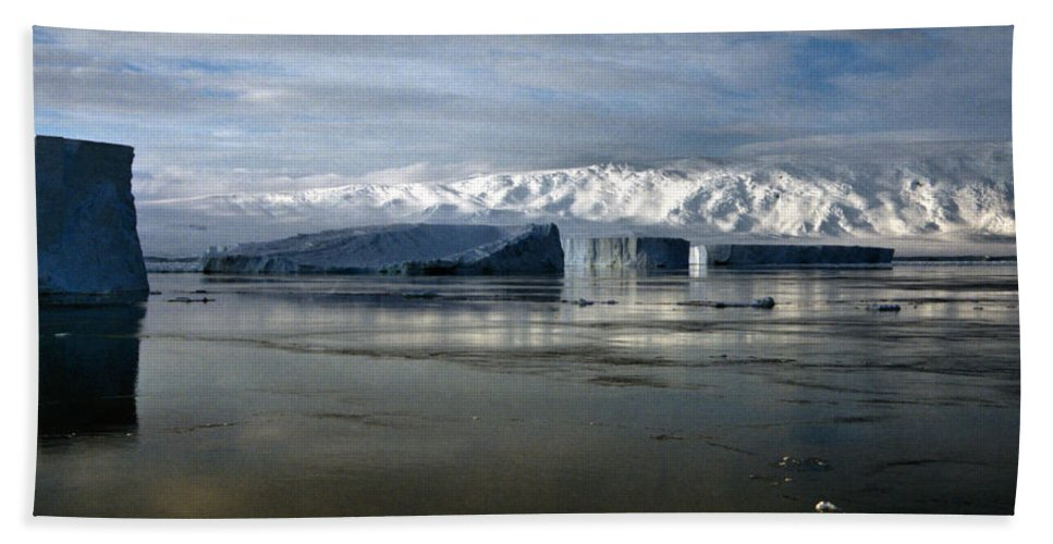 Vast Bath Sheet featuring the photograph Transantarctic Range And Icebergs Antarctica by Carole-Anne Fooks