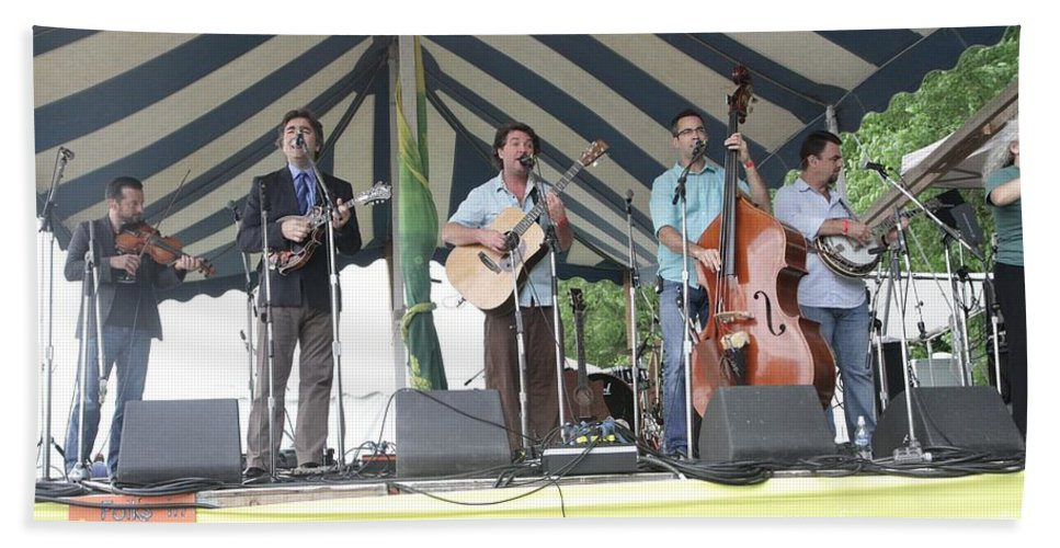 Performing Hand Towel featuring the photograph Travelin Mccourys With Keller Williams by Concert Photos