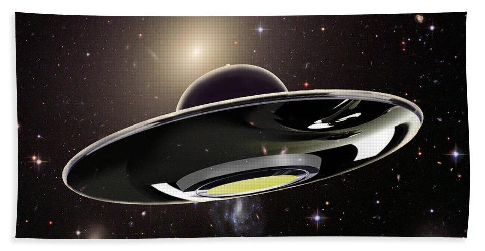 Illustration Hand Towel featuring the photograph Ufo by Spencer Sutton