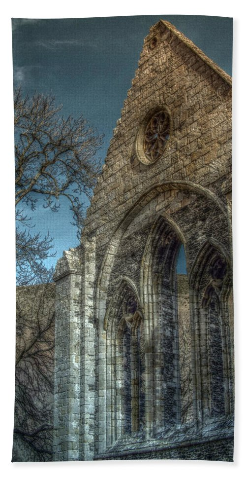Valle Bath Sheet featuring the photograph Valle Crucis Abbey by Brainwave Pictures