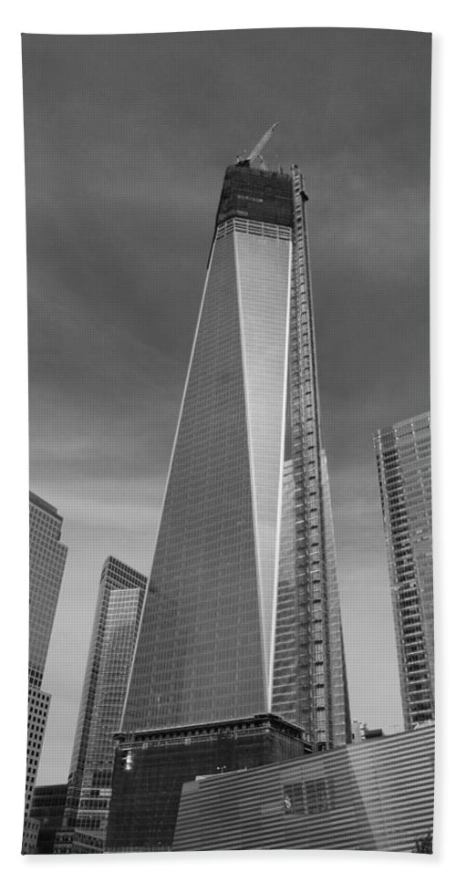 Wtc Hand Towel featuring the photograph 1 W T C And Museum In Black And White by Rob Hans