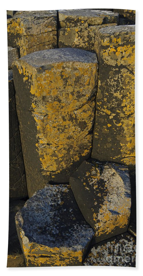 Landscape Bath Sheet featuring the photograph The Giants Causeway by John Shaw