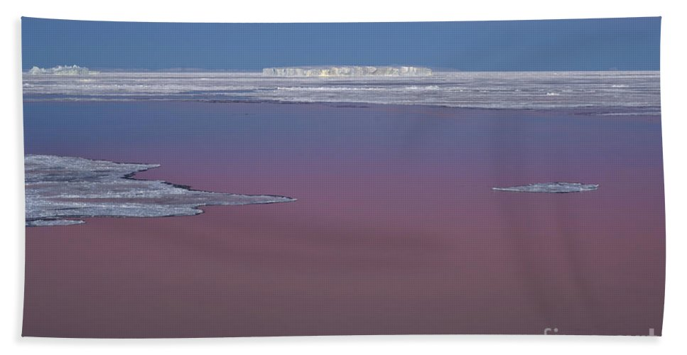 Sky Hand Towel featuring the photograph Antarctica by John Shaw