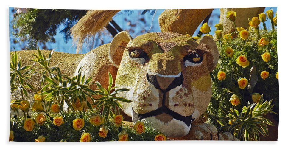 2014 Rose Parade Hand Towel featuring the photograph Rose Parade by Howard Stapleton