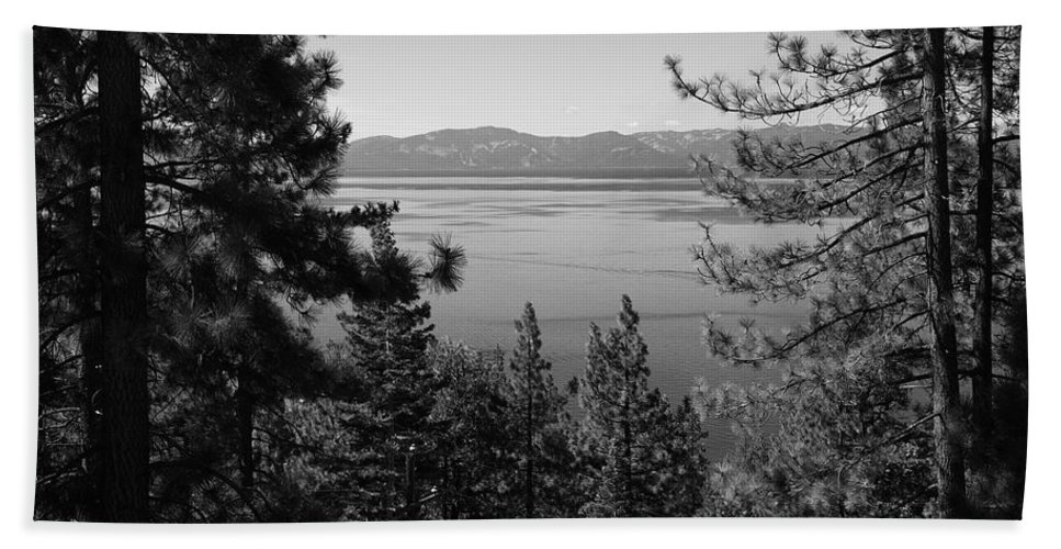 Alpine Hand Towel featuring the photograph Lake Tahoe by Frank Romeo