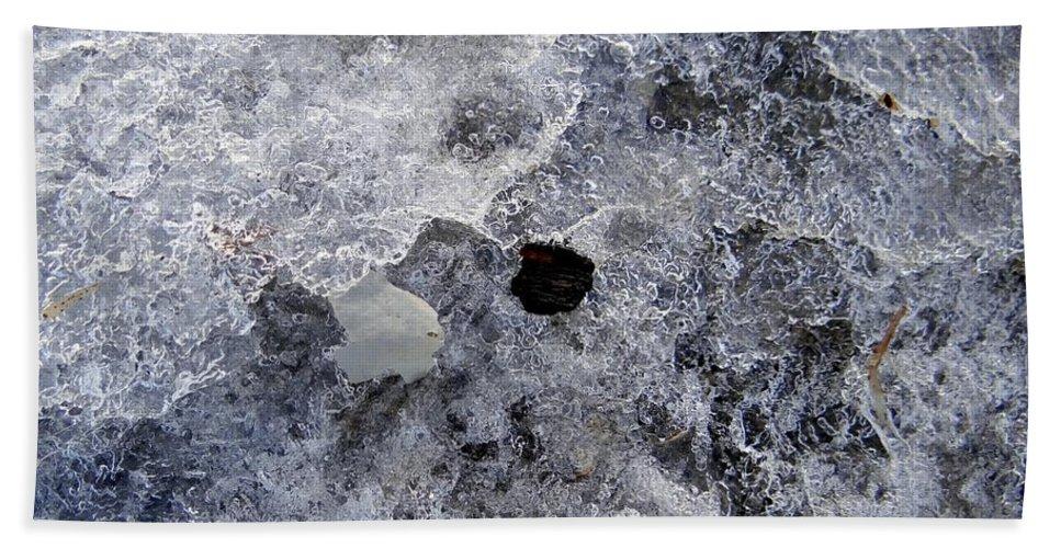 Winter Bath Sheet featuring the photograph Untitled by Ed Weidman