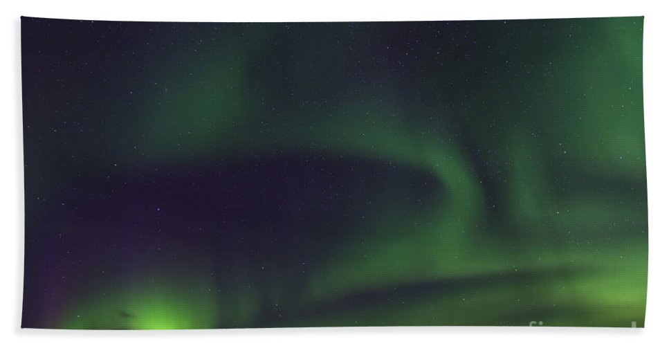 Northern Lights Hand Towel featuring the photograph 130901p174 by Arterra Picture Library