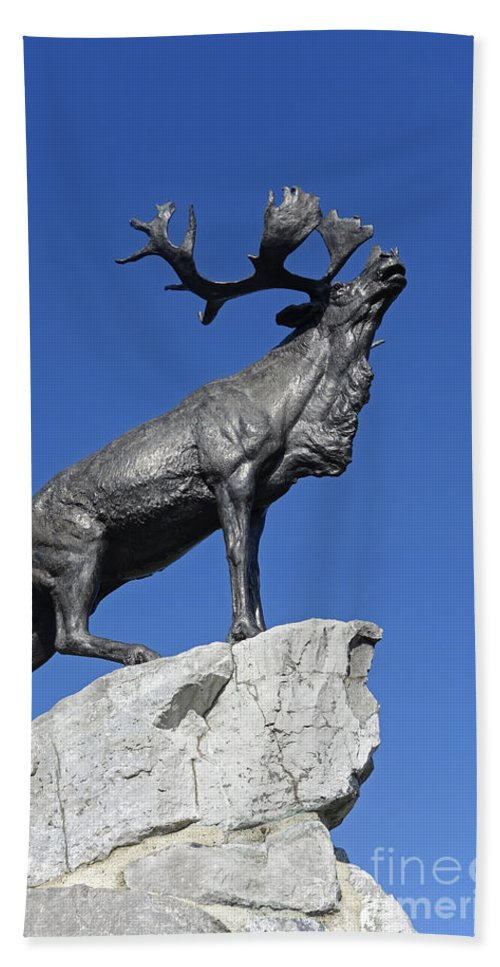 Statue Hand Towel featuring the photograph 130918p150 by Arterra Picture Library