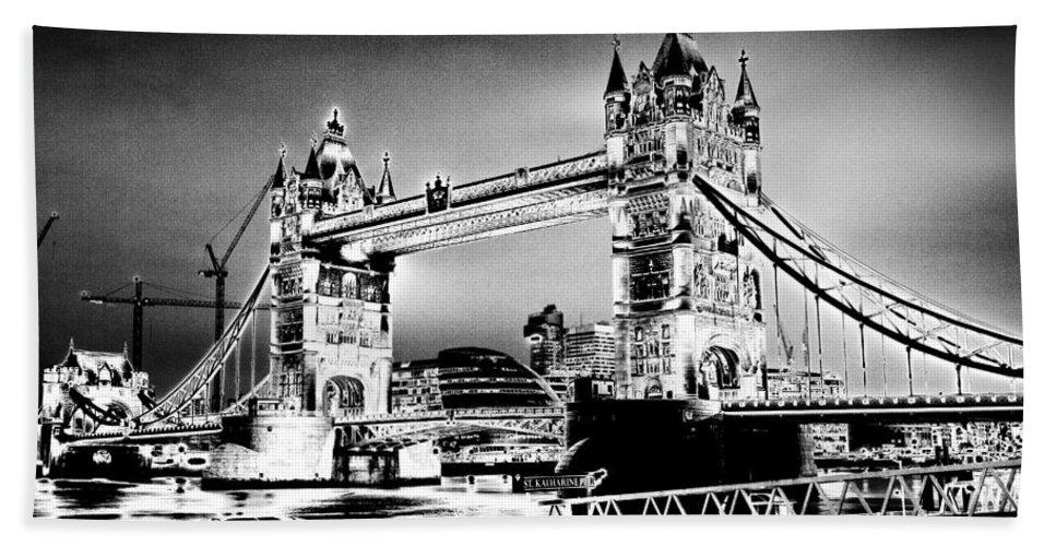 Bridge Hand Towel featuring the digital art Tower Bridge Art by David Pyatt