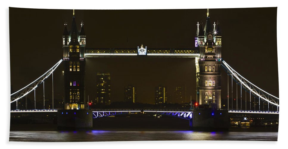 Tower Bridge Hand Towel featuring the photograph Tower Bridge by David Pyatt