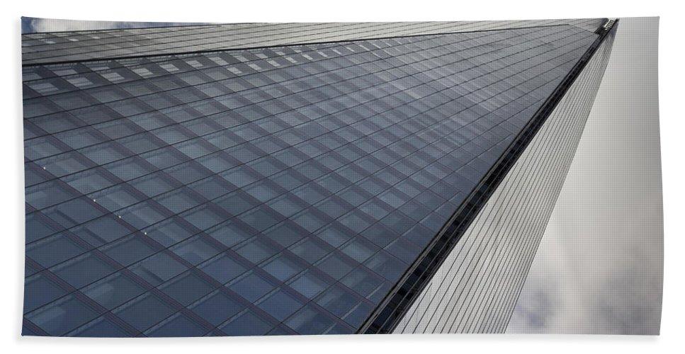 Shard Hand Towel featuring the photograph The Shard London by David Pyatt