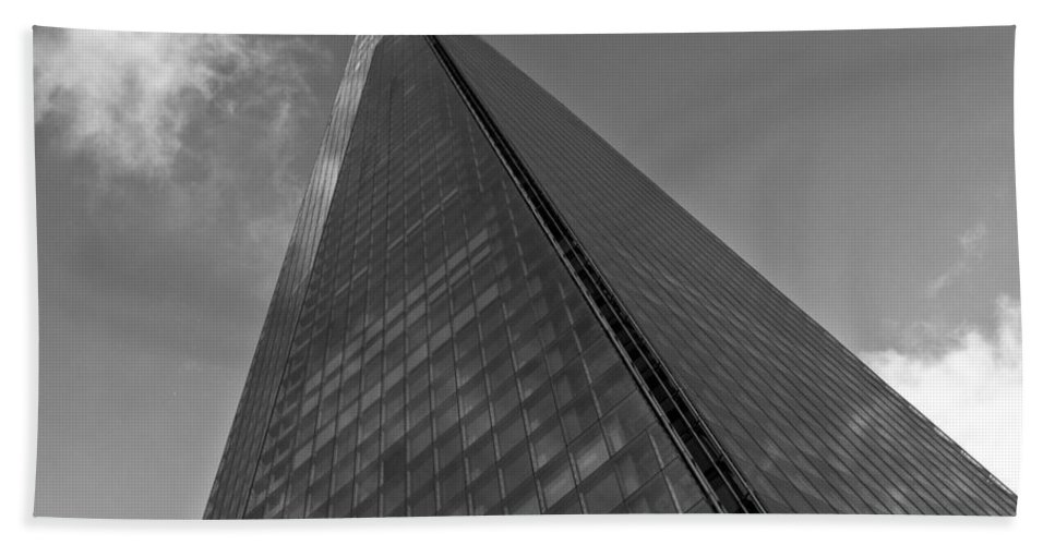 Shard Hand Towel featuring the photograph The Shard London by David Pyatt