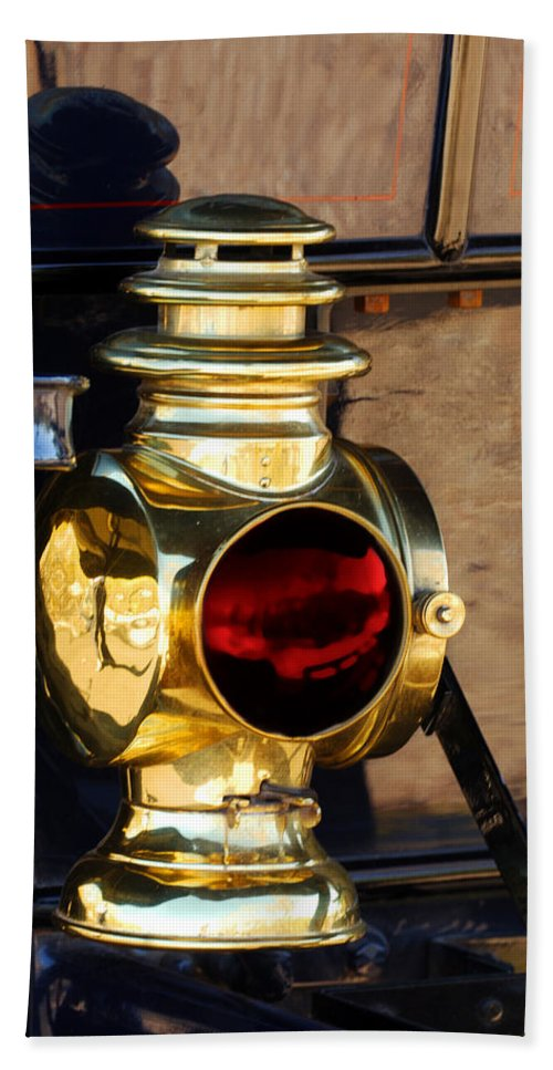 1910 Pope Hartford Model T Lamp Bath Towel featuring the photograph 1910 Pope Hartford Model T Lamp by Jill Reger