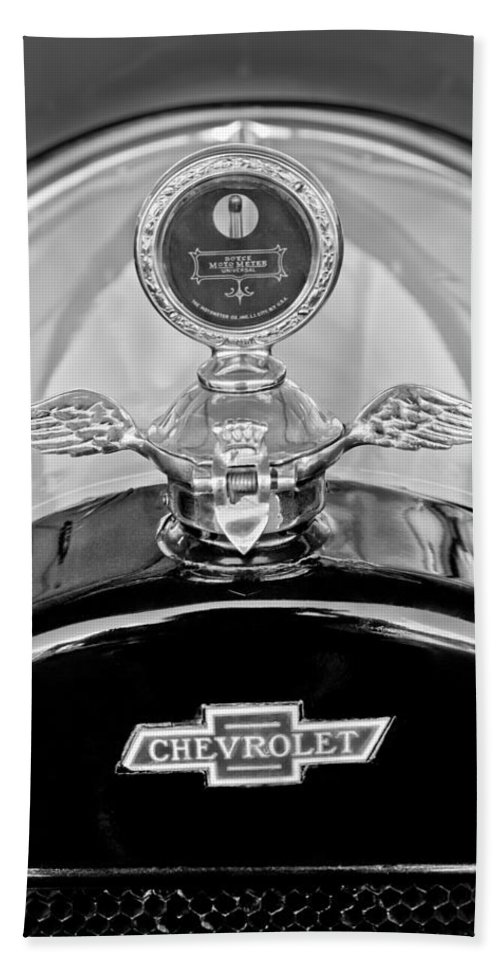 1915 Chevrolet Touring Hood Ornament - Moto Meter Hand Towel featuring the photograph 1915 Chevrolet Touring Hood Ornament - Moto Meter by Jill Reger