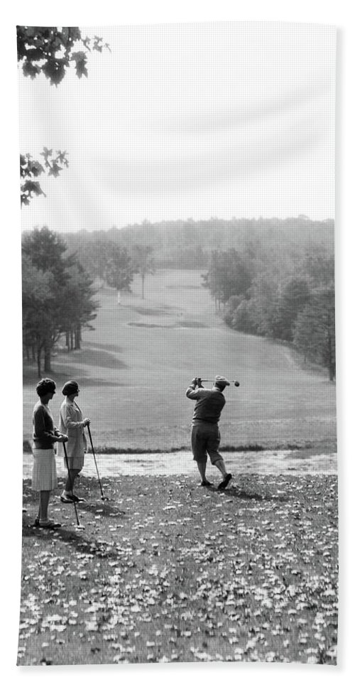 Photography Bath Towel featuring the photograph 1920s 1930s Group Of Golfers Teeing by Vintage Images