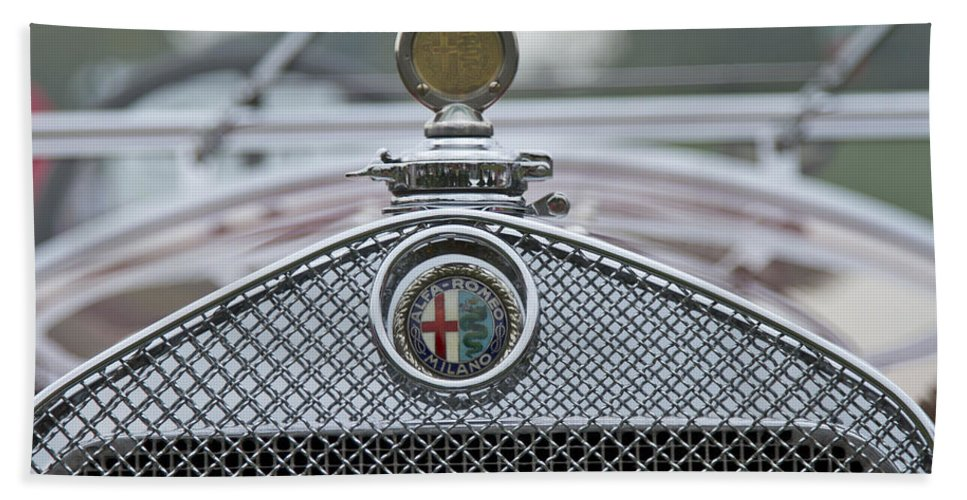 Glenmoor Hand Towel featuring the photograph 1931 Alfa Romeo by Jack R Perry