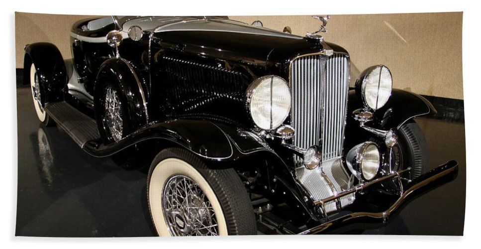 Auburn Hand Towel featuring the photograph 1932 Auburn Boattail Speedster by Christiane Schulze Art And Photography
