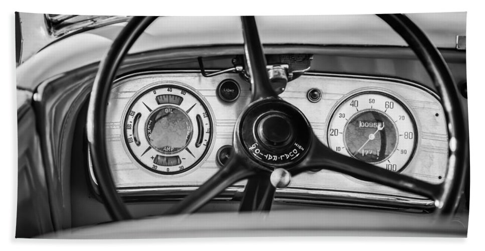 1935 Auburn 851 Supercharged Boattail Speedster Steering Wheel Bath Sheet featuring the photograph 1935 Auburn 851 Supercharged Boattail Speedster Steering Wheel -0862bw by Jill Reger