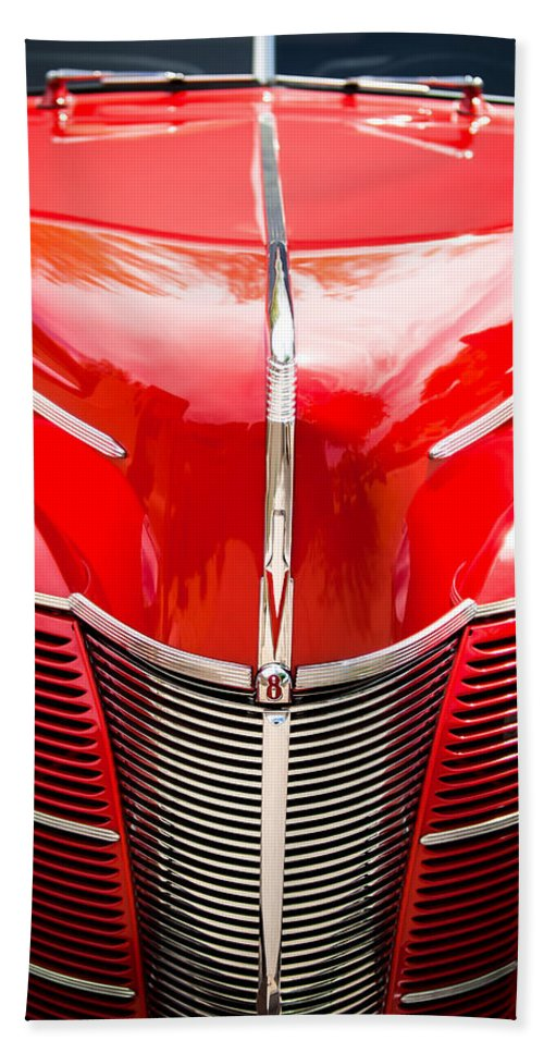 1940 Ford Deluxe Coupe Grille Bath Towel featuring the photograph 1940 Ford Deluxe Coupe Grille by Jill Reger