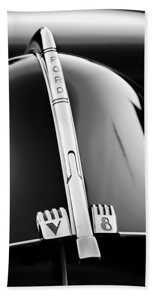 1940 Ford V8 Hood Ornament Bath Towel featuring the photograph 1940 Ford V8 Hood Ornament -323bw by Jill Reger