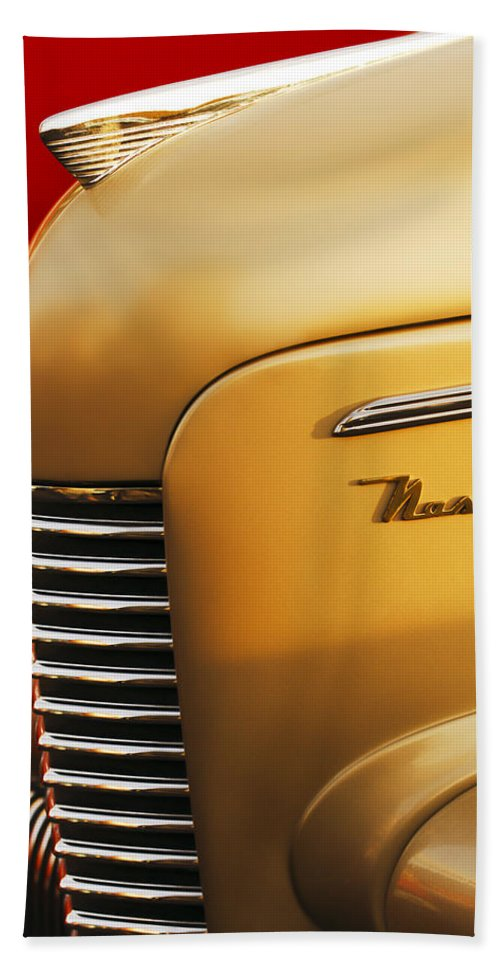 1940 Nash Sedan Grille Hand Towel featuring the photograph 1940 Nash Sedan Grille by Jill Reger