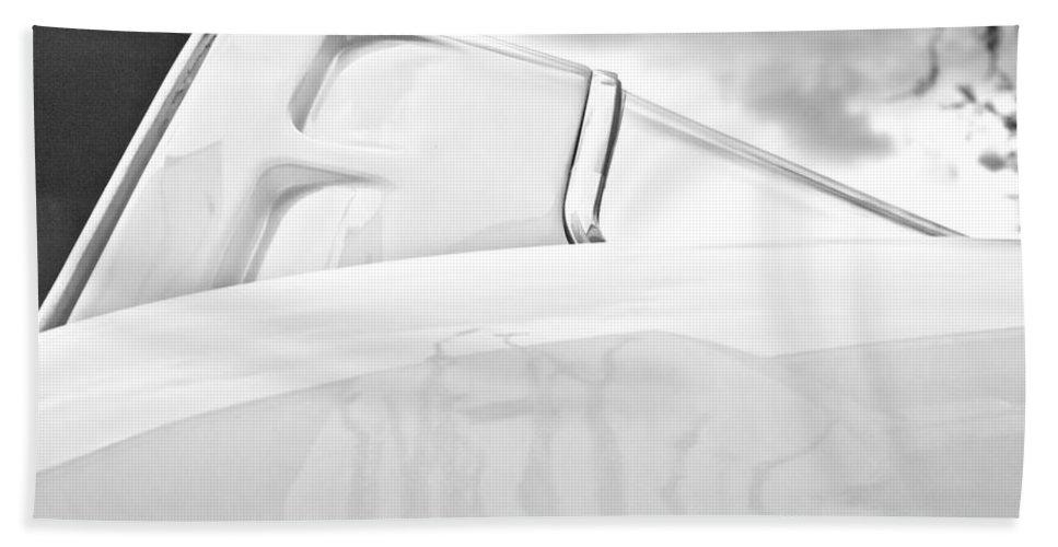 1963 Chevrolet Corvette Split Window Hand Towel featuring the photograph 1963 Chevrolet Corvette Split Window -539bw by Jill Reger
