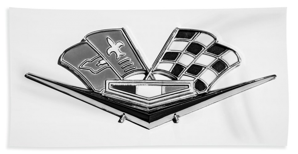 1963 Chevrolet Corvette Split Window Emblem Bath Sheet featuring the photograph 1963 Chevrolet Corvette Split Window Emblem -030bw by Jill Reger