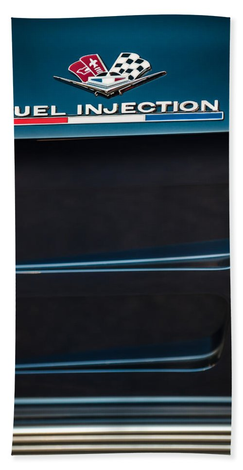 1963 Chevrolet Corvette Sting Ray Fuel-injection Split Window Coupe Emblem Bath Sheet featuring the photograph 1963 Chevrolet Corvette Sting Ray Fuel-injection Split Window Coupe Emblem by Jill Reger