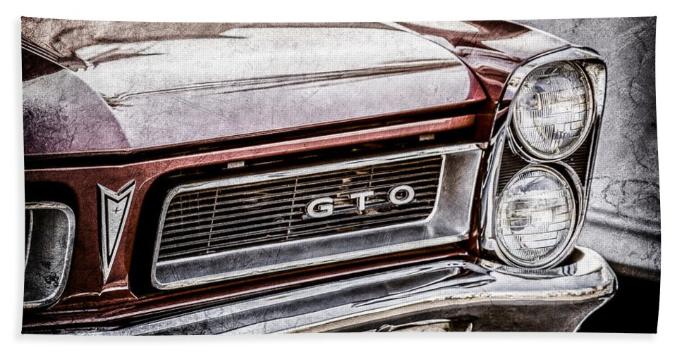 1965 Pontiac Gto Grille Emblem Bath Sheet featuring the photograph 1965 Pontiac Gto Grille Emblem -0442ac by Jill Reger