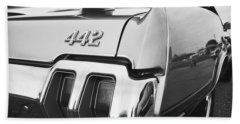 Oldsmobile Hand Towel featuring the photograph 1970 Olds 442 Black And White by Gordon Dean II